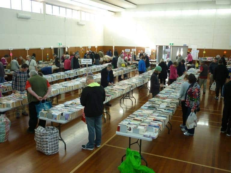 Calling Volunteer Youth to Carry Some Books